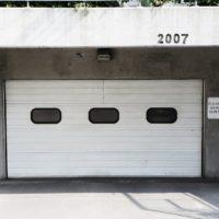 Garaż w bryle budynku czy wolnostojący?