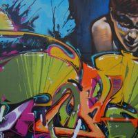 Jak usunąć graffiti ze ściany?