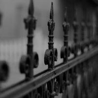 Balustrady balkonowe kute – stylowy detal architektoniczny