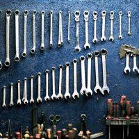 W jaki sposób Łodzianie przechowują narzędzia budowlane?